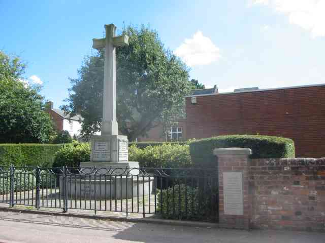 War Memorial High St Kimpton