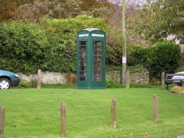 Green phone box at Portesham.