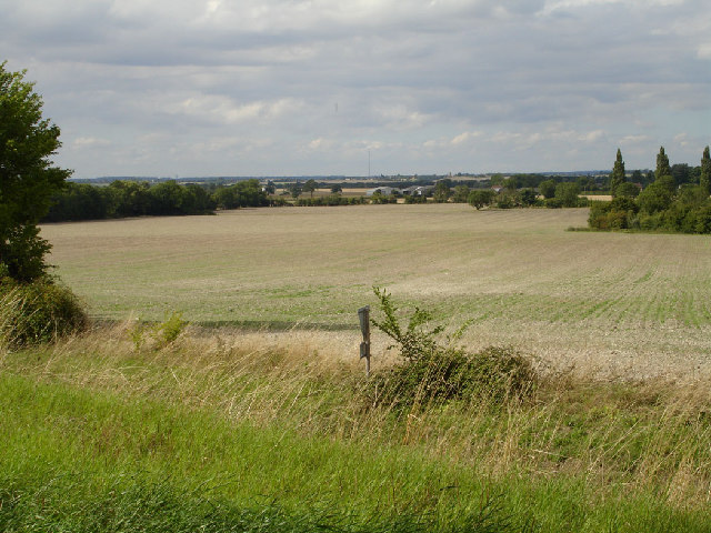View towards Bedfordshire from footpath to Newnham Hill