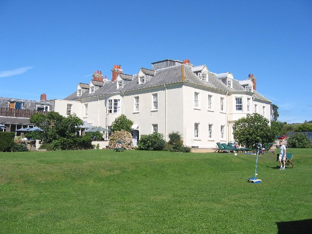 Moonfleet Manor Hotel