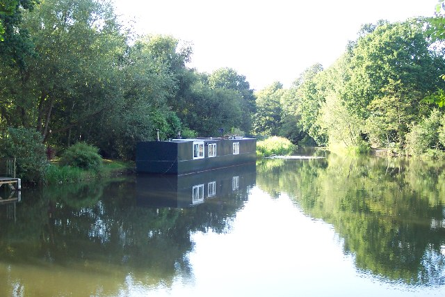Houseboat on the Basingstoke Canal