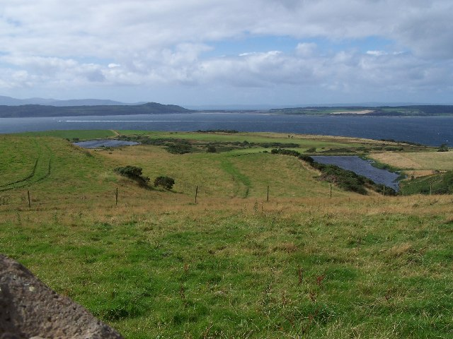 Cumbrae, The reservoirs and golf course