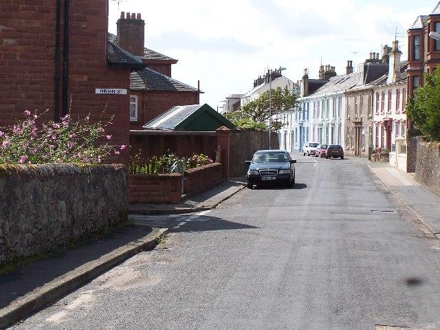 Cumbrae, Approaching Millport