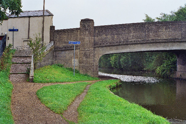 Canal Bridge 96, Leeds and Liverpool Canal, Mill Hill