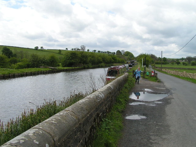 Leeds and Liverpool Canal near Priest Holme Bridge