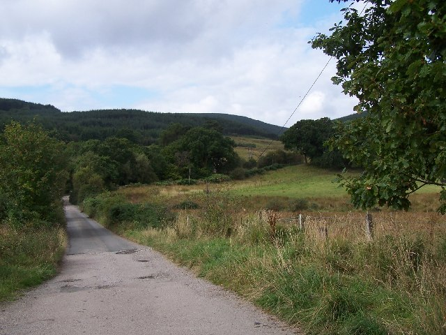 Track leading to Glenkin