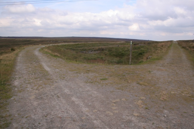 Footpaths and waymarker, Light Hazzles Reservoir
