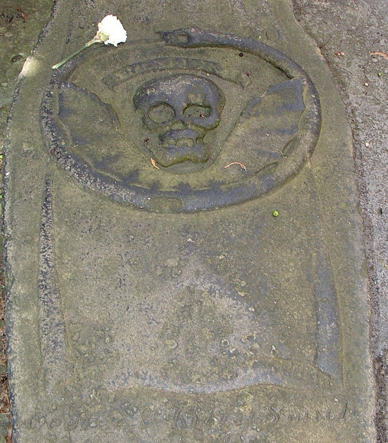 Detail of the top of the grave stone