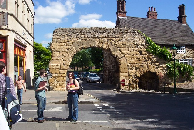 The Roman North Gateway of Lincoln