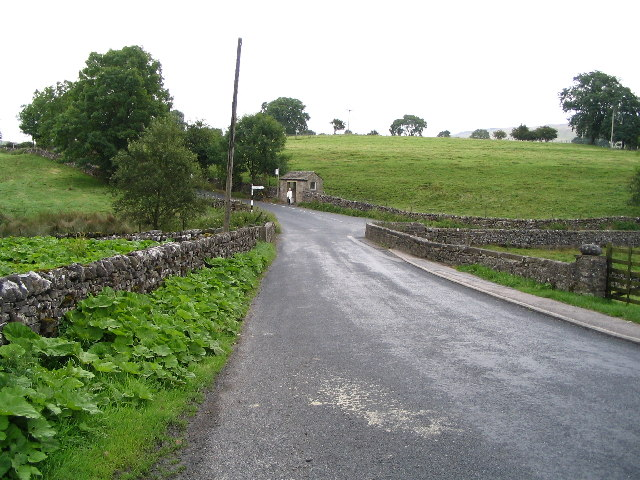 Skirse Gill Bridge and Bus Shelter