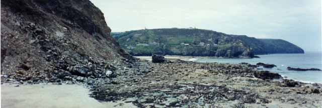 Newdowns Head from Trevellas Coombe beach