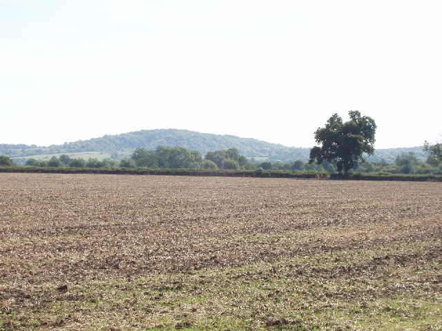 Ploughed field near Owlswick, with view to the Chilterns
