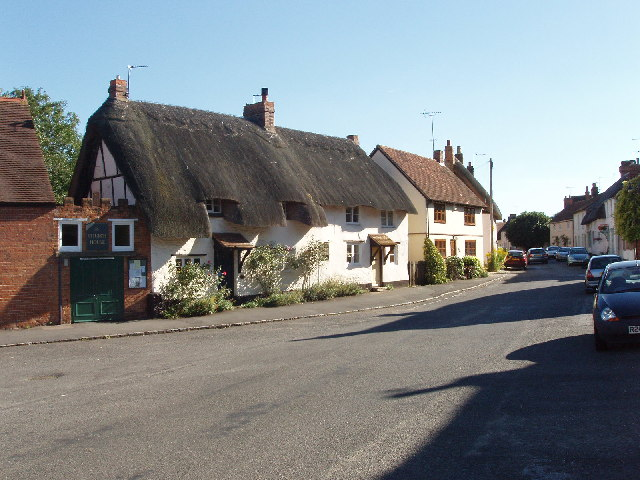 Thatched houses in Long Crendon
