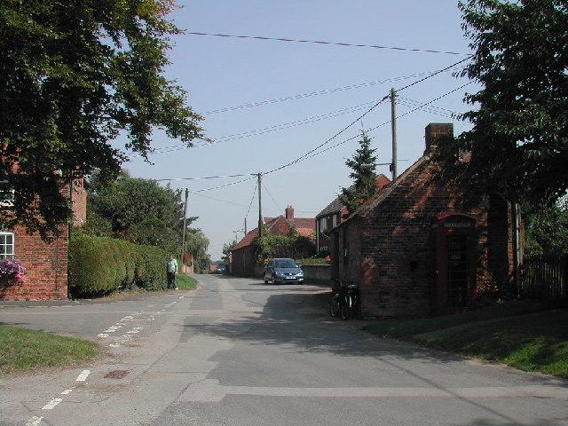 Bridgford Road, Kneeton Village