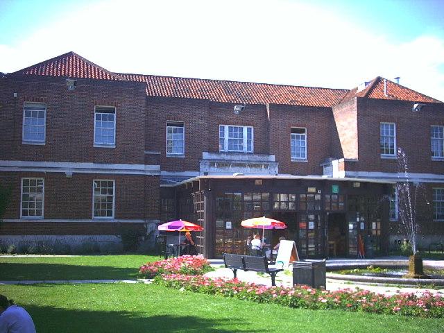 Wallington Library, Shotfield.
