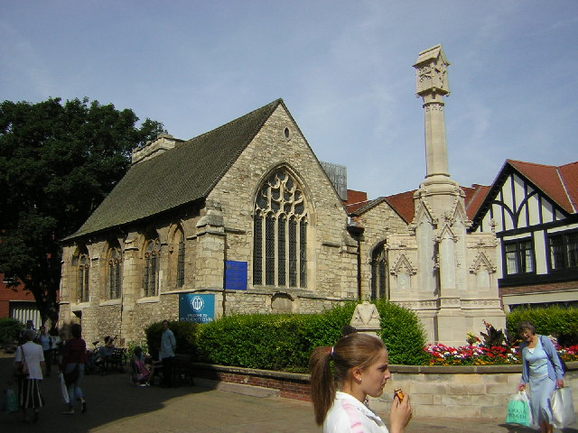 War Memorial & St.Benedict's church, High Street, Lincoln