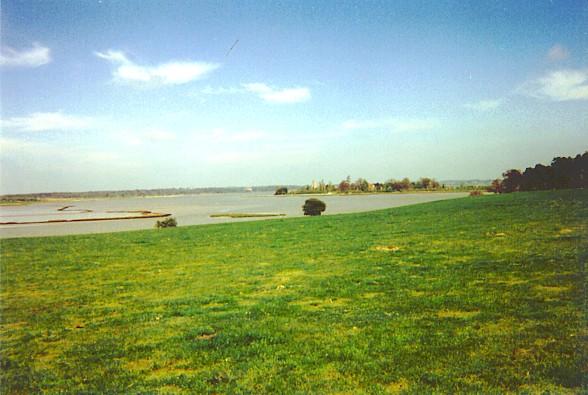 Iken, near Snape, looking towards the river