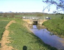 Sluice on Kirtling Brook, Great Bradley