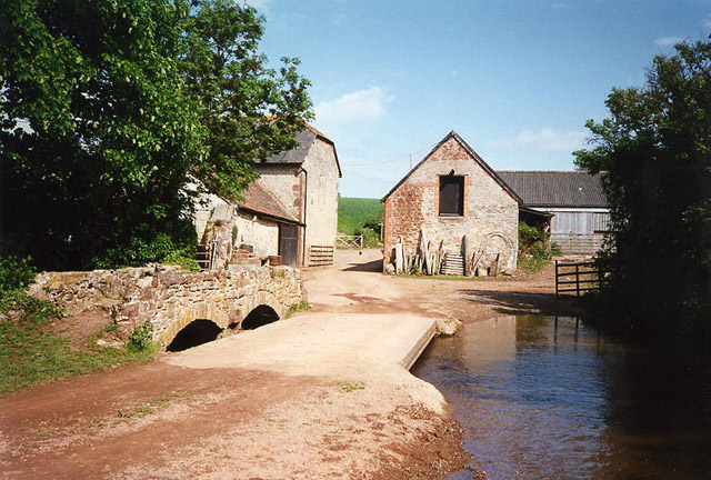 Old Cleeve: view to Kentsford Farm