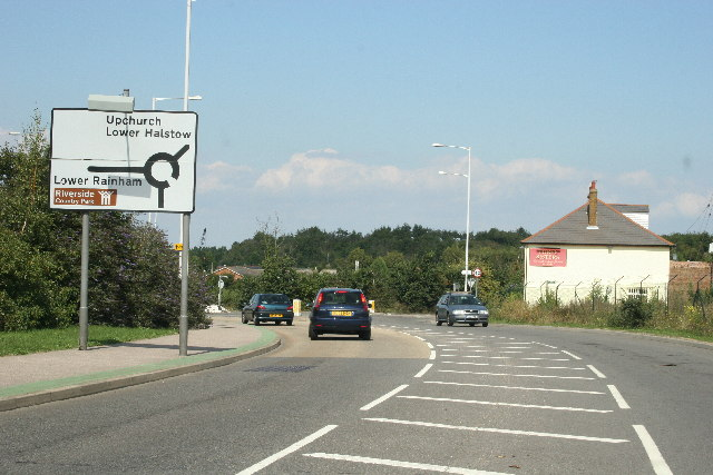 Otterham Quay Lane facing North, 3 Sisters pub on right
