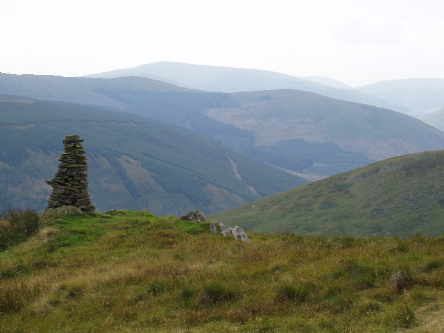 Cairn on the shoulder of Ward Law