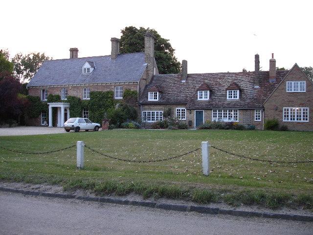 Houses in Newnham