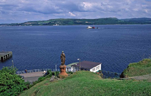 Statue of Highland Mary at Dunoon