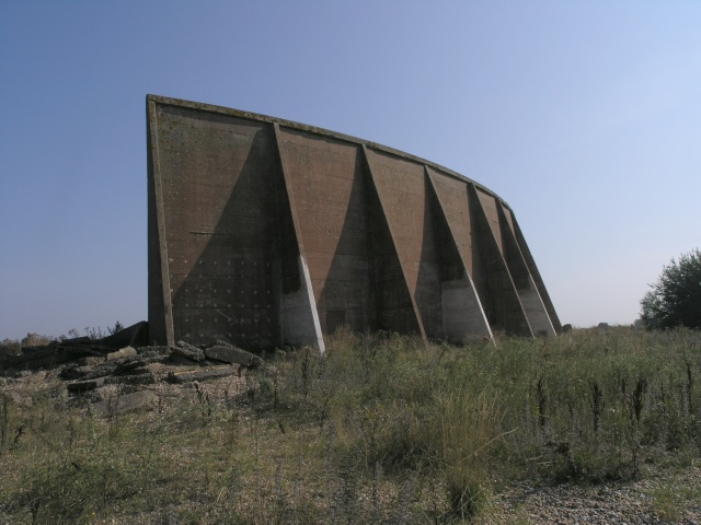 Sound Mirror at Denge, from the rear