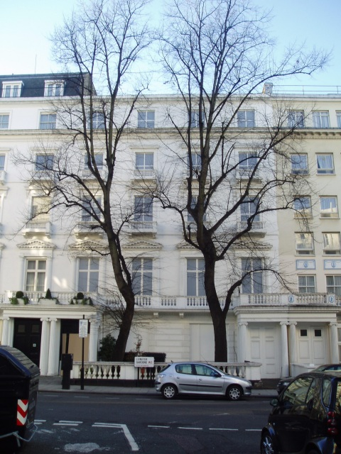 "23/24 Leinster Gardens, the ""fake house"""
