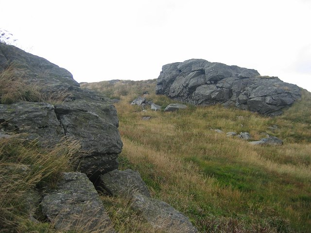 Outcrops by Sgorach Mor.