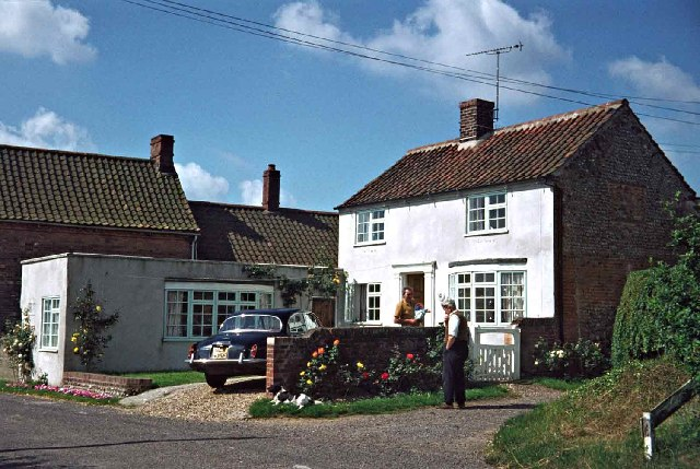 Bluebell Cottage, Edgefield Green