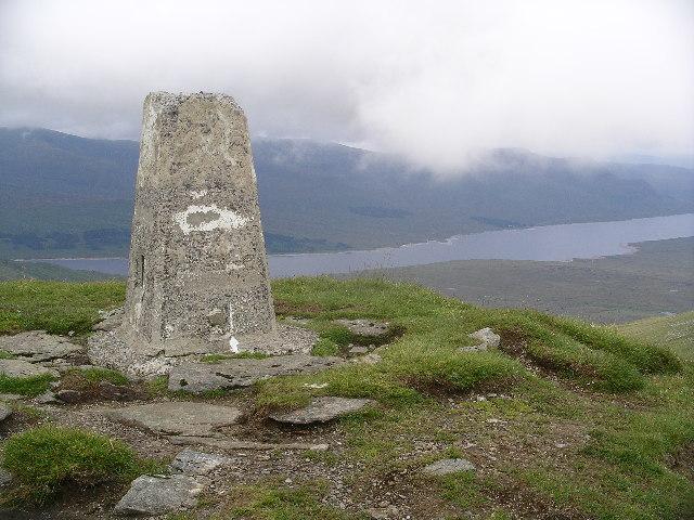 Summit cairn, Fionn Bheinn