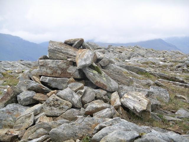 Cairn, E ridge of Fionn Bheinn