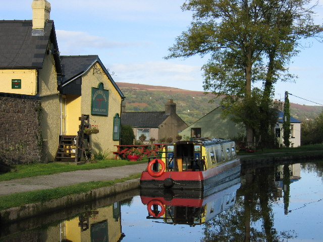 Monmouthshire and Brecon Canal, Baylis Bridge, Bridgend Inn, Gilwern