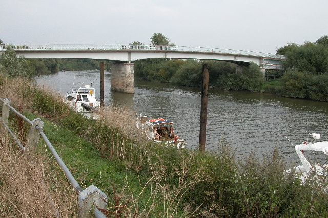 Haw Bridge over the River Severn
