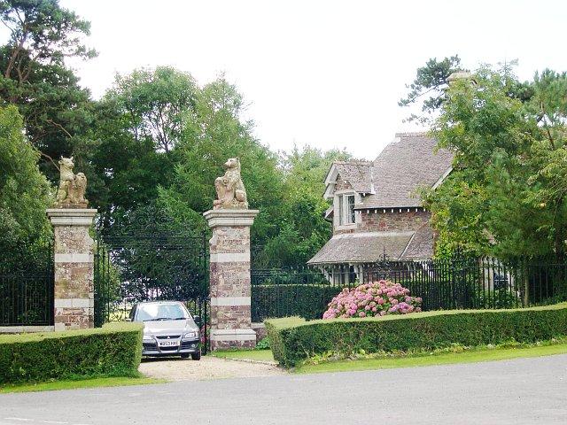 Gatehouse at Wonnell Cross