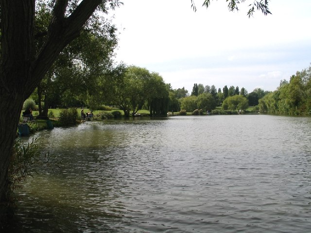 Gloucester Park Basildon - The Lake