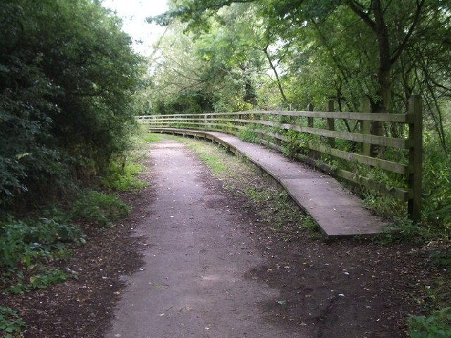 Raised footway at the end of Marsh Lane