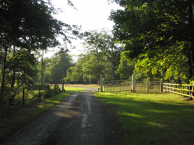 Footpath and Entrance to Hamstead Park