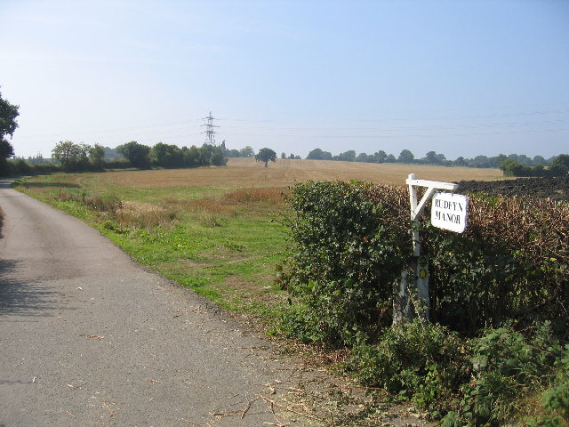 Driveway to Rudfyn Manor