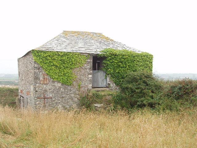 Field barn at Trethillick