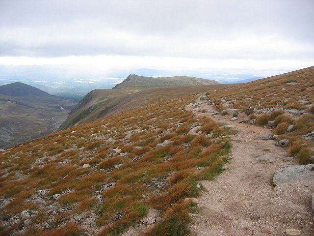 Path above the Larig Ghru.
