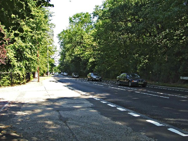 Cockfosters Road looking North