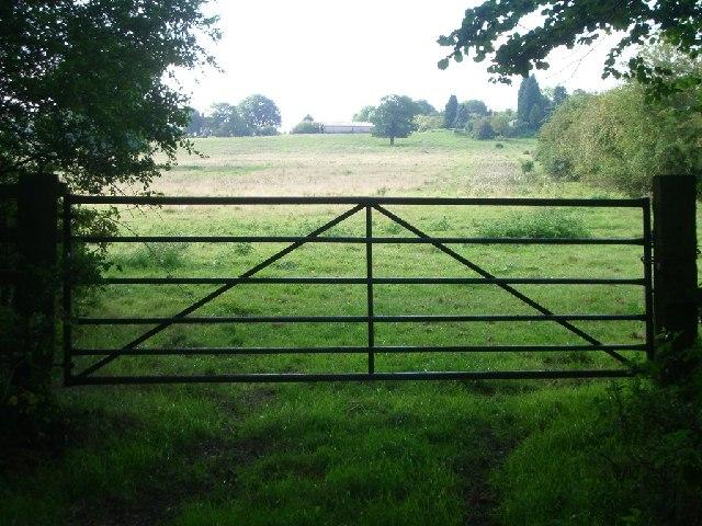 Gateway along Birchwood Lane