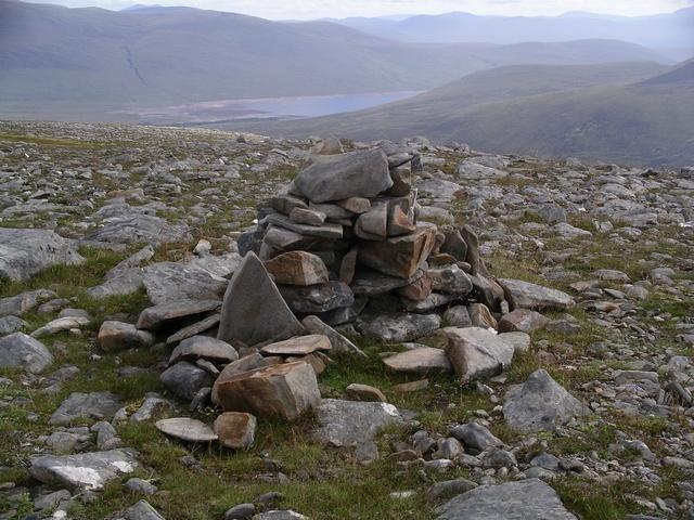 Summit cairn, Creag Dhubh Fannaich