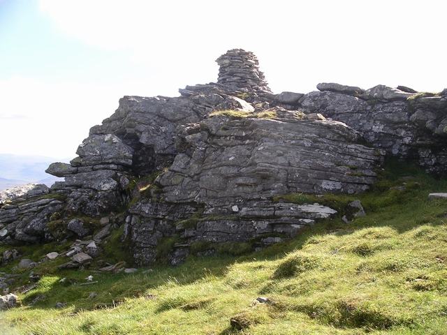 Summit cairn, An Coileachan