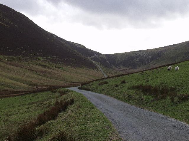 Mountain road north of Llyn Efyrnwy