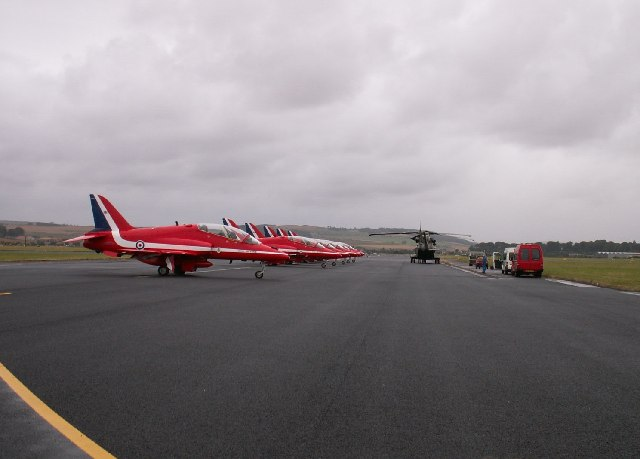 Lazy runway and the Red Arrows