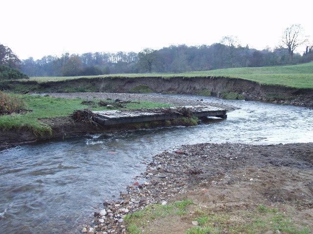 Afon Clywedog in Erddig Park