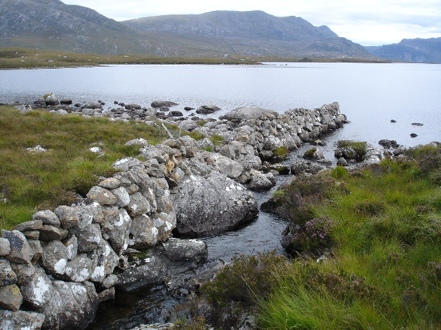 Drystone wall next to the burn which flows from Loch na Moine Buige to Fionn Loch